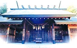 安城の老舗うなぎ・お料理・吉野屋。1899年の創業以来121年。親子4代にわたり受け継がれた鰻の照(タレ)を是非お試しください|駐車場6台完備